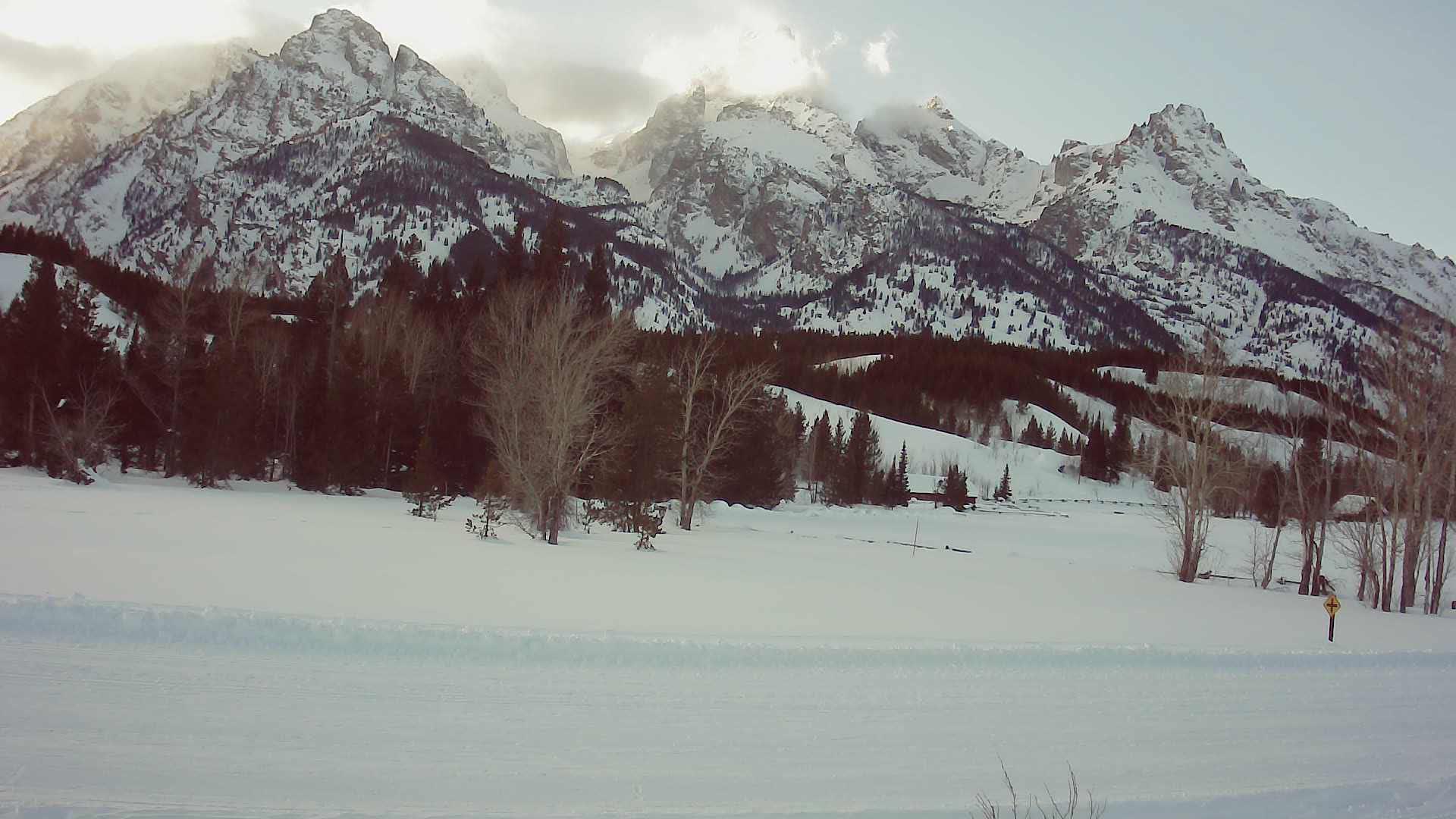 Jenny lake trail head at 2/25/2020 05:12:50 PM